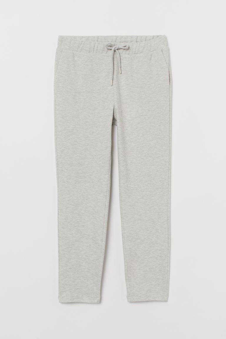 Gerippte Jogginghose - Hellgraumeliert - Ladies | H&M DE. Best joggers and the most stylish loungewear separates at the moment to wear loungewear outside. Easy to execute and effortlessly chic.
