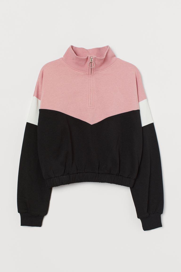 Sweatshirt with a zip