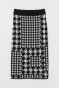 Black/houndstooth-patterned
