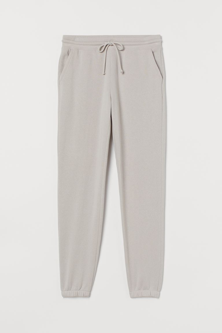 Sweathose - Helles Taupe - Ladies | H&M DE 4. Best joggers and the most stylish loungewear separates at the moment to wear loungewear outside. Easy to execute and effortlessly chic.