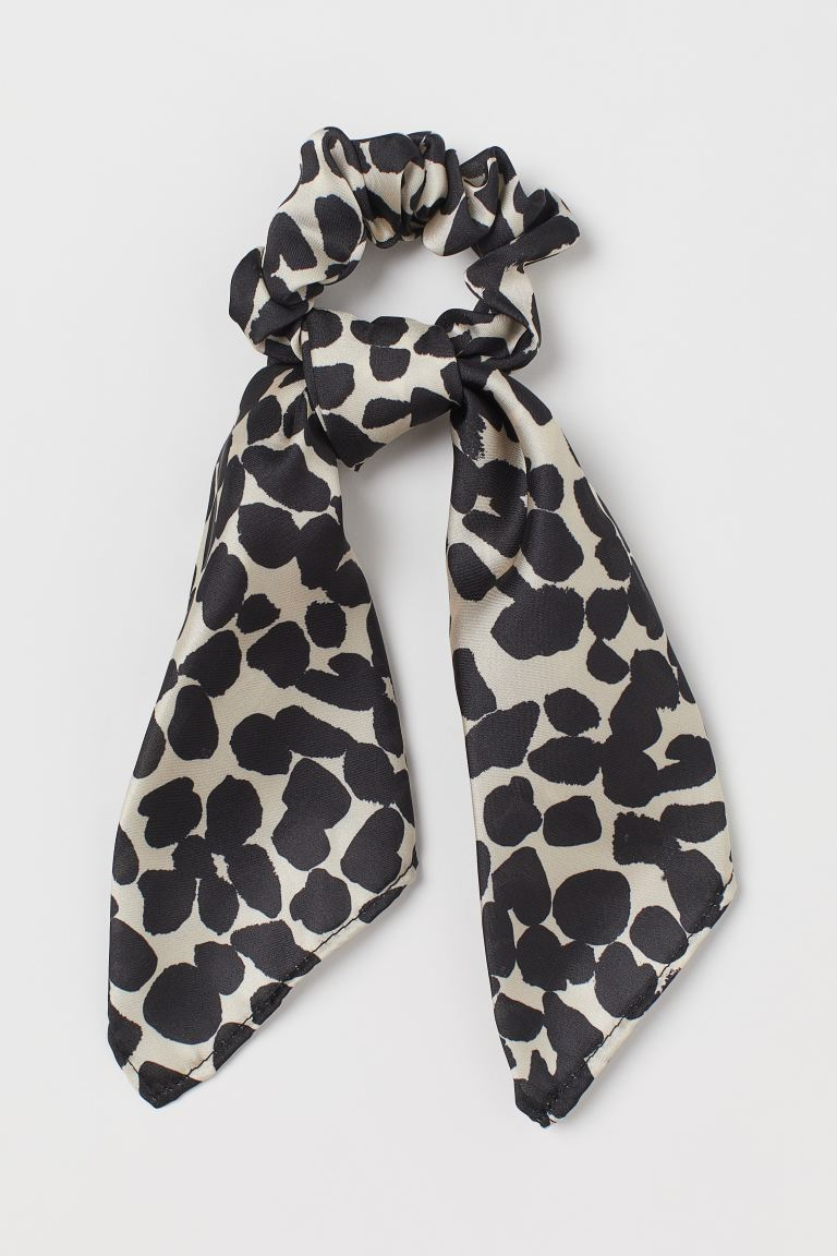 Scarf-detail Scrunchie - Light beige/black patterned - Ladies | H&M CA