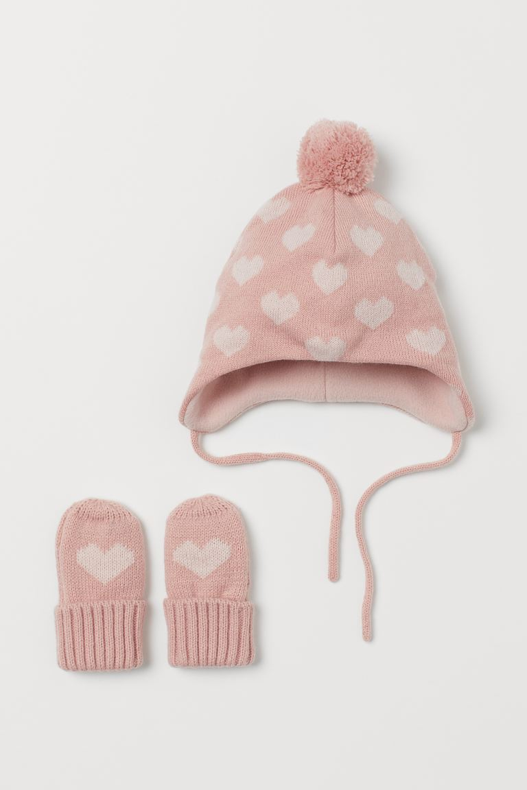Hat and mittens