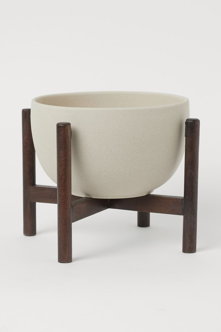 Large plant pot on a pedestal - Natural white/Dark brown - Home All | H&M GB