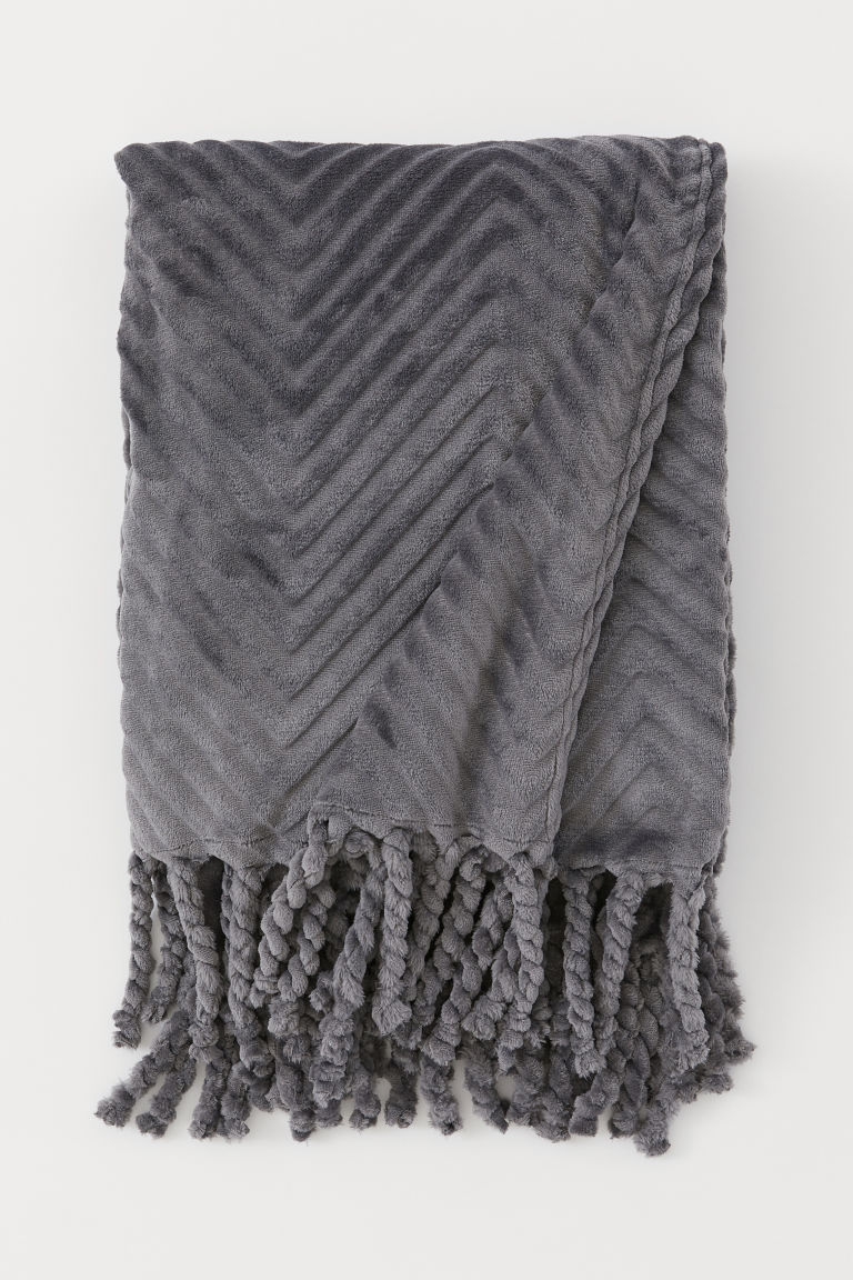 Fringed fleece blanket
