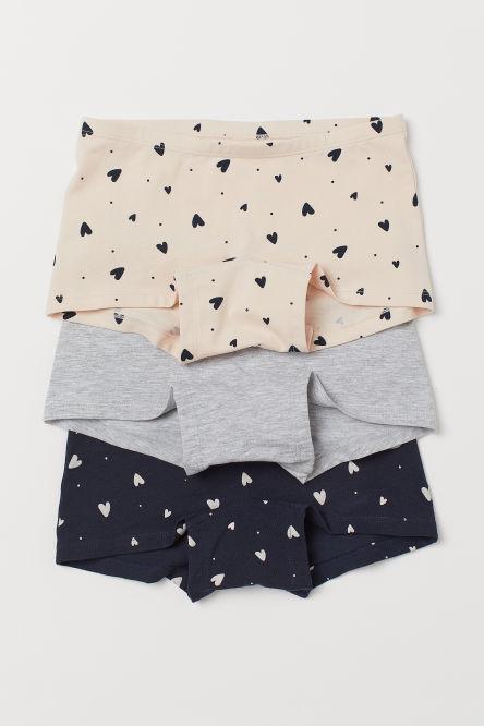 1ceff2e4ad261 اشترى الملابس الداخلية للبنات بعمر 8- 14 سنة في الرياض وجدة