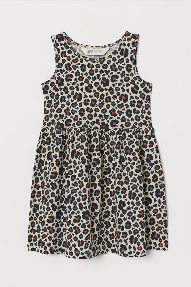 Black Hair Bow Paired with Leopard Print Dress