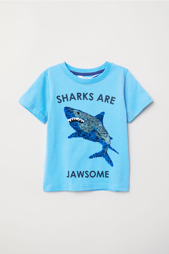 db3868c3 T-shirt with a motif - Light blue/Shark - Kids | H&M GB