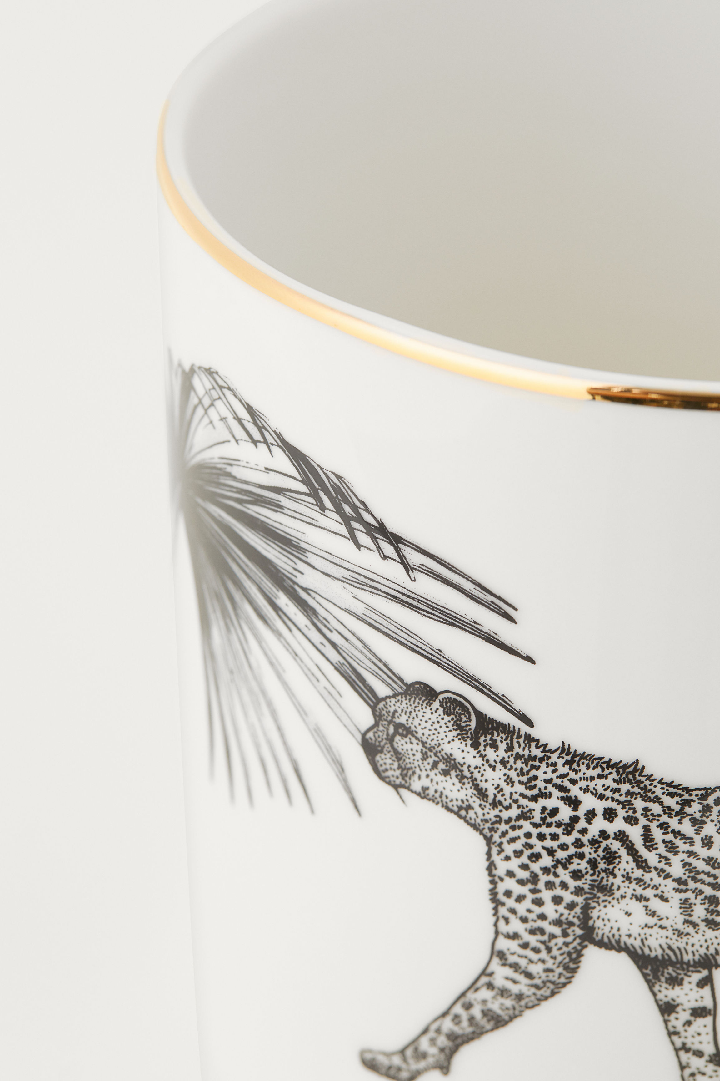 178c97ee8ec9 Porcelain plant pot - White/Cheetah - Home All   H&M GB