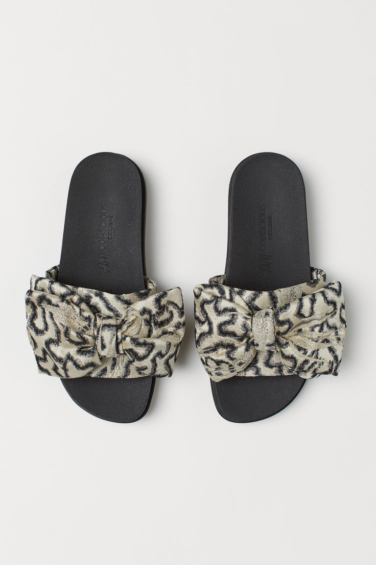 Slippers - Light beige/patterned - Ladies | H&M CA