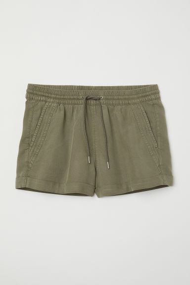 Short lyocell shorts - Khaki green - Ladies | H&M