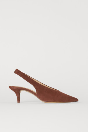 Slingbacks with pointed toesModel