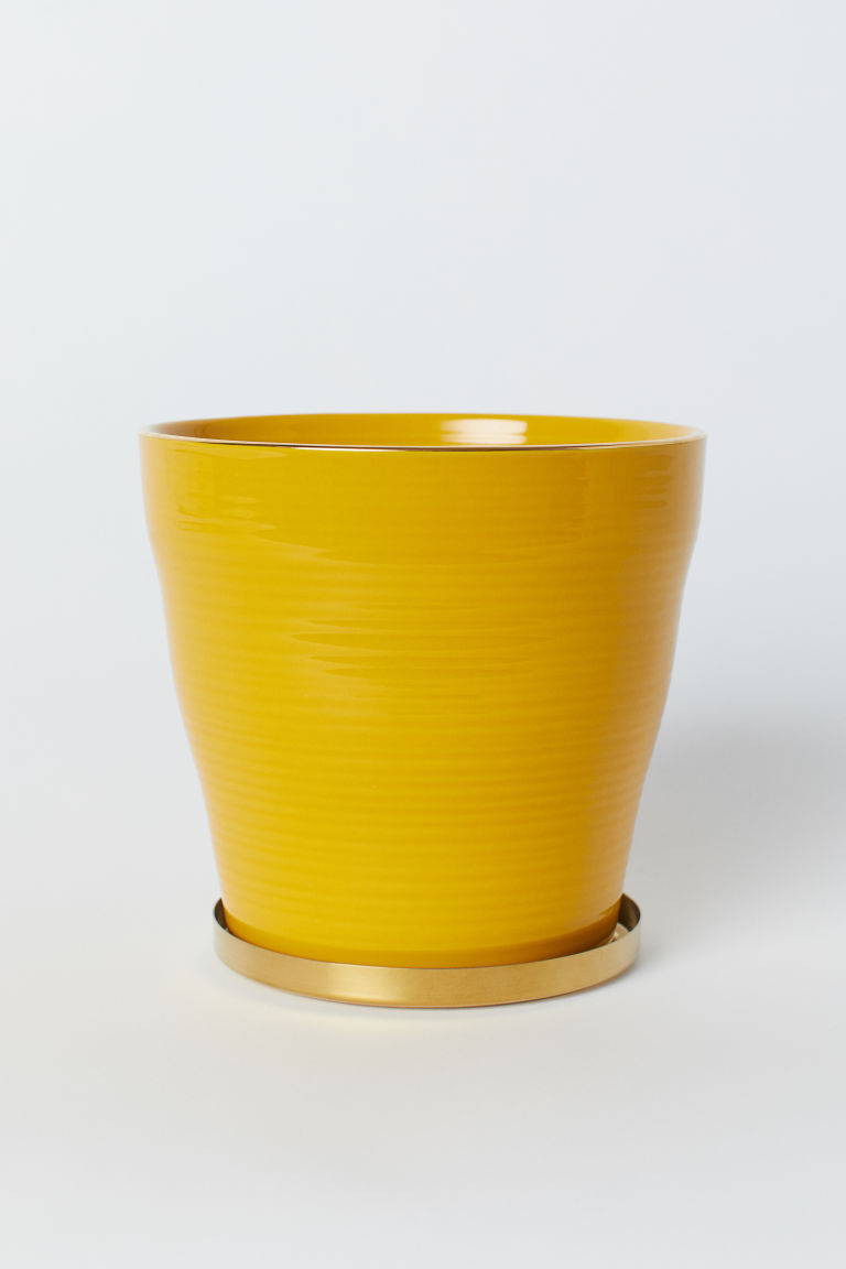 Fluted plant pot with a saucer - Yellow - Home All | H&M CN