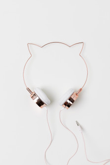 On-ear headphones with ears