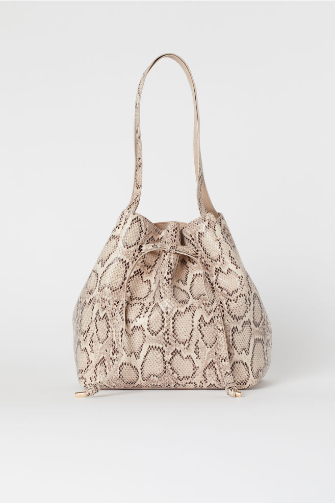 f1fc1eed199f Bucket Bag - Lt. beige/snakeskin patterned - Ladies | H&M ...
