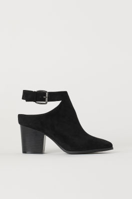 481bbe64e Ankle boots. HK$299.00. Black · Leather sandalsModel