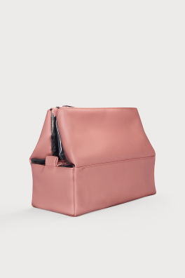 Make-up Bags   Travel kits for every occasion  7f59407526395