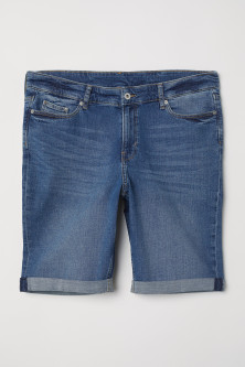 H&M+ Denim shortsModel