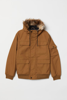 Short hooded jacket