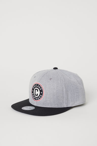 Cap with an appliqué - Light grey marl/Chicago - Men | H&M