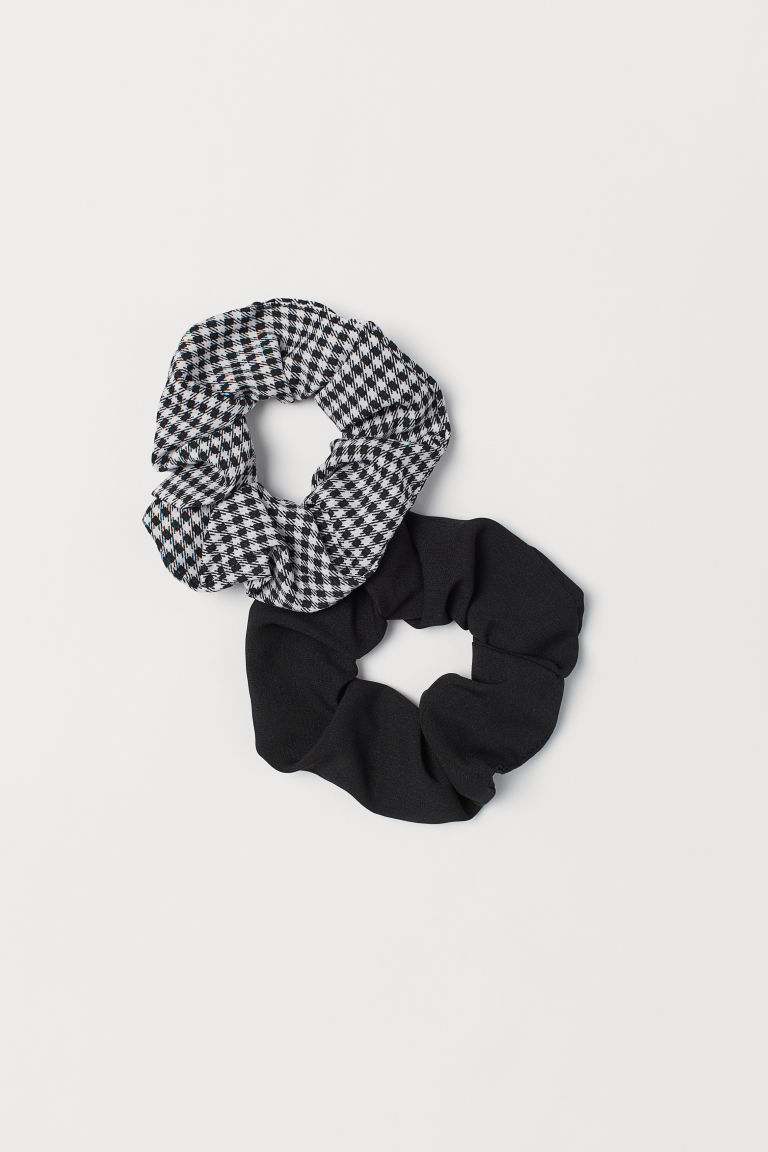 2-pack scrunchies - Black/Dogtooth-patterned - Ladies | H&M CN