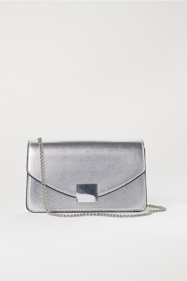 1009fa13fffe2 Clutch - Silberfarben -