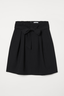 Skirt with Tie BeltModel