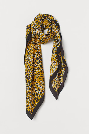 Patterned scarfModel