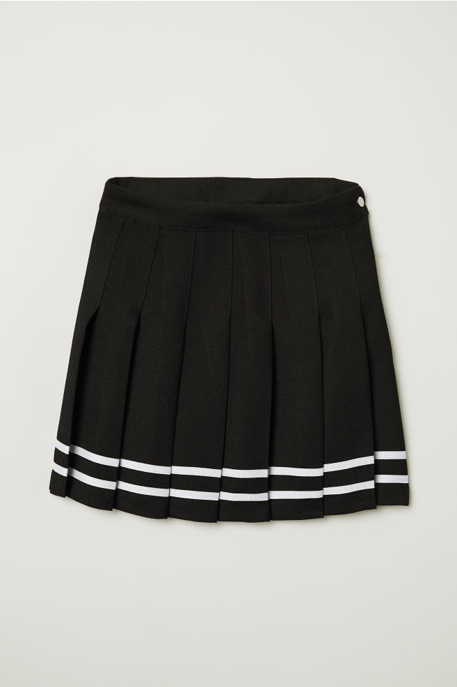 9016f267 Short pleated skirt
