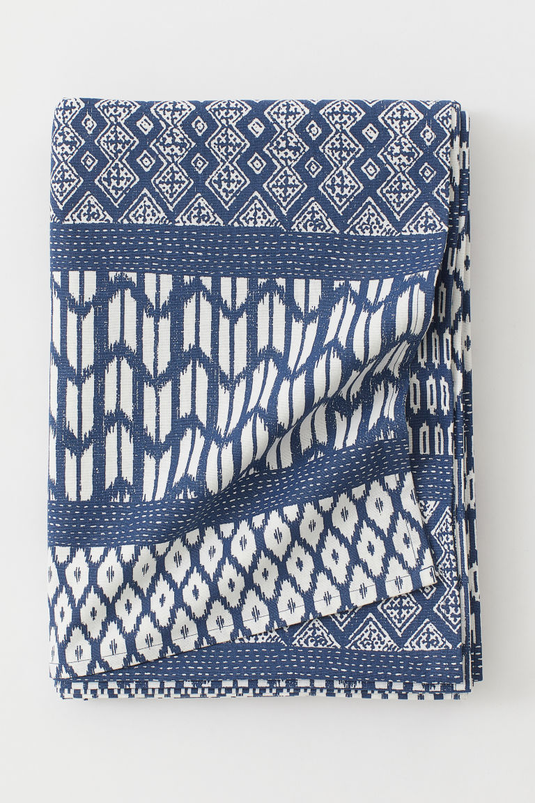 Patterned cotton tablecloth - Dark blue/Patterned - Home All | H&M GB