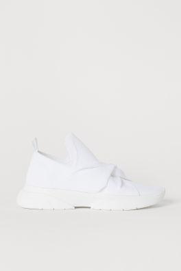Novinky – najnovšie dámske topánky a doplnky  8bcc9dc75dc