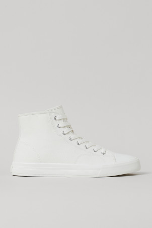 Canvas High TopsModel