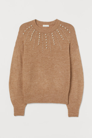 Knitted jumper with beads