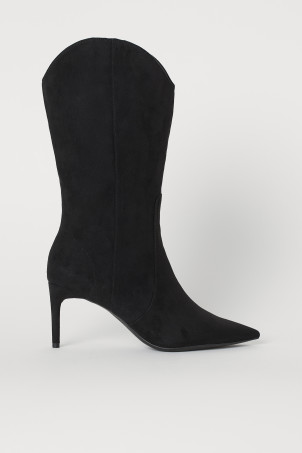Pointed BootsModel
