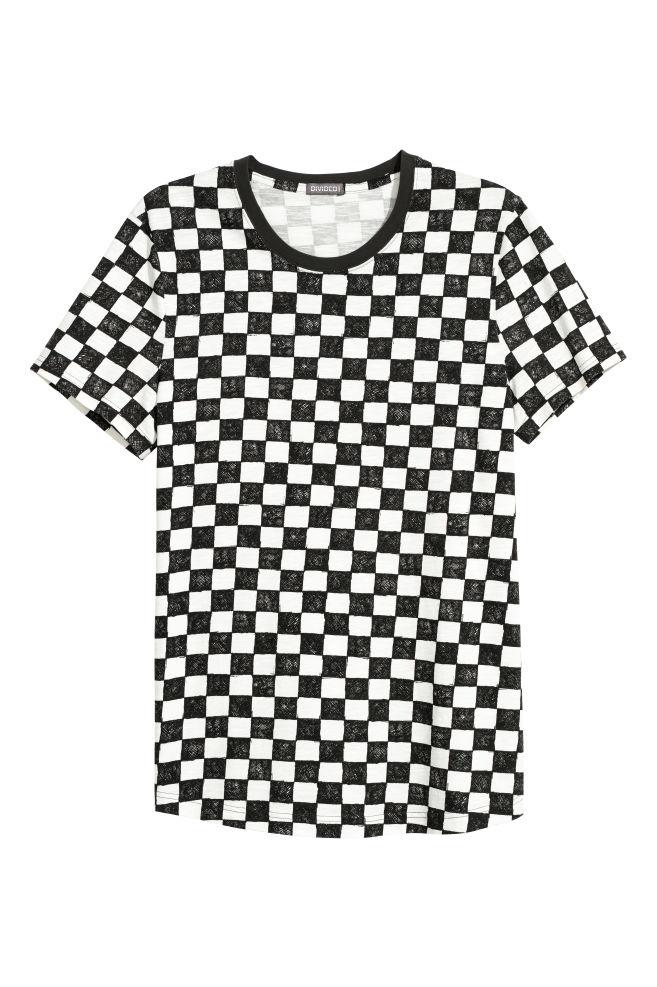 fa79a6f85 Široké tričko - biela/šachovnicový vzor - MUŽI   H&M ...