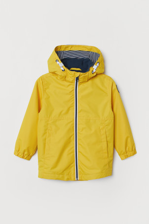 Hooded outdoor jacket