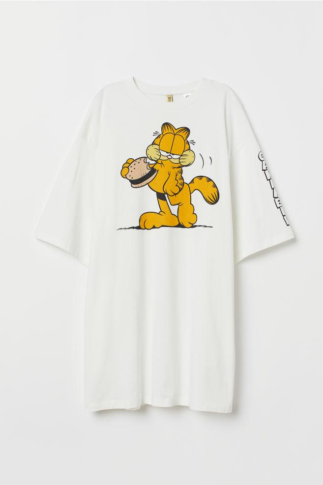 ebbe3907b2c3 ... Wide T-shirt dress - White/Garfield - | H&M ...