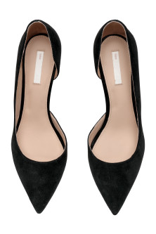 Court shoes with pointed toes