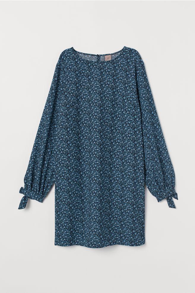 13d23b95e H&M+ Kjole