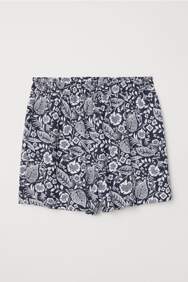 5170dbd5b3 Modal-blend shorts - Dark blue/Floral - Ladies | H&M ...