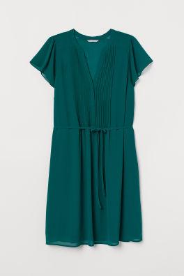 1220967e22 H&M+ V-neck dress. PHP 1,690. New Arrival. Dark green