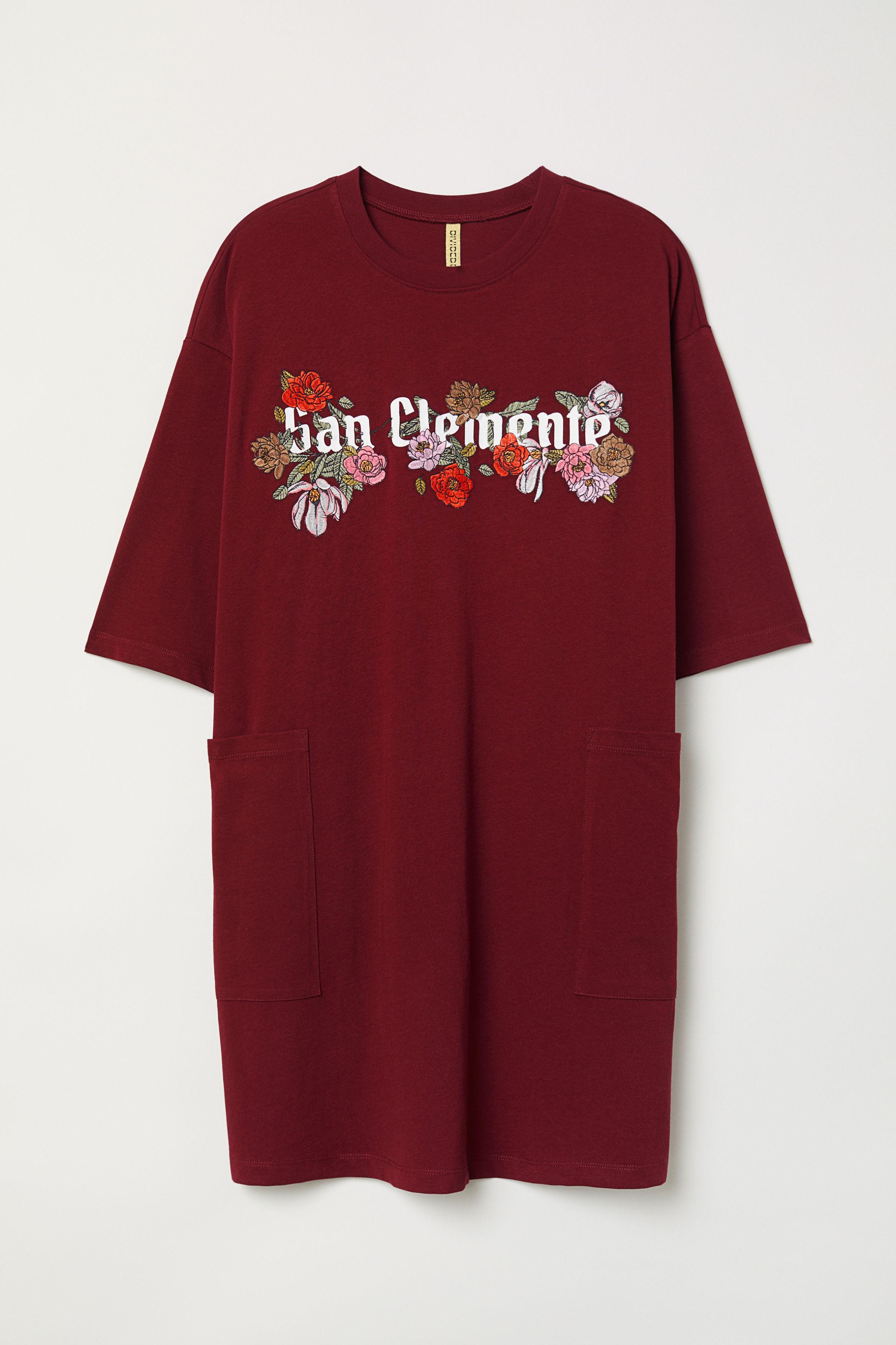 c7e376f4 Oversized T-shirt Dress - Burgundy/flowers - | H&M US