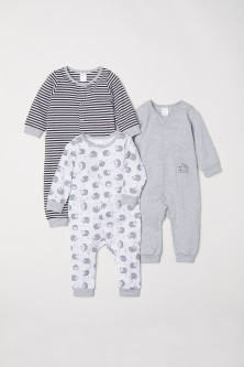 3-pack cotton pyjamasModel