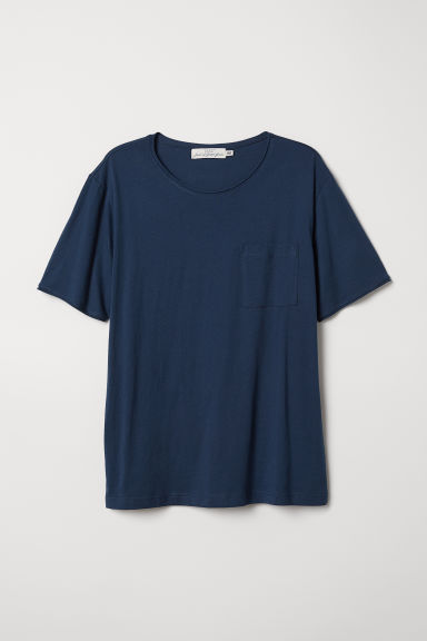 T-shirt with a chest pocket - Dark blue - Men | H&M