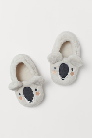 Appliquéd slippers