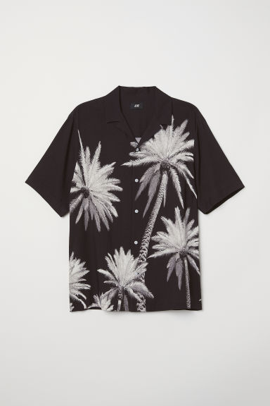 Short-sleeve shirt Relaxed Fit - Black/Palm trees - Men | H&M