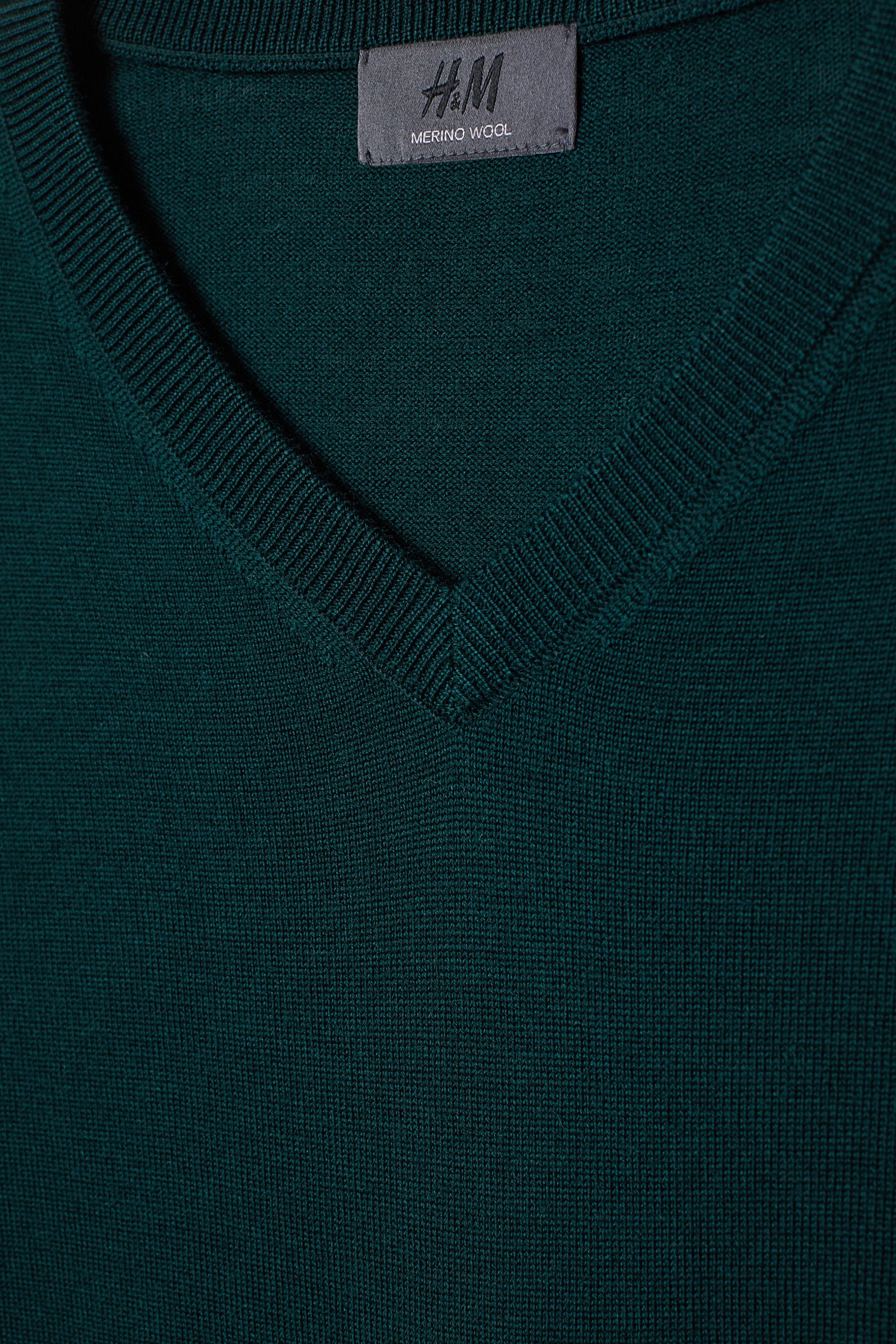 403069d8e42c38 V-Pullover aus Merinowolle - Dunkelblau - Men | H&M DE