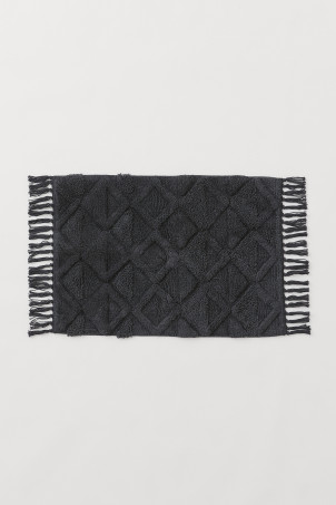 Fringed bath mat