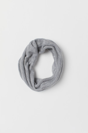 Fine-knit wool tube scarf