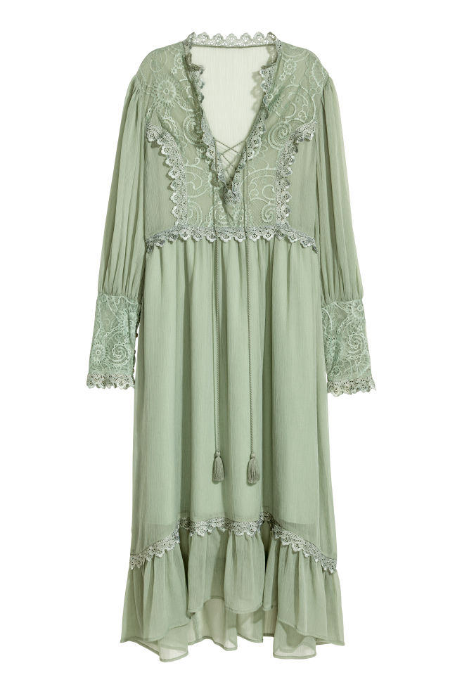 9f72c4133d0bc Chiffon dress with lace - Dusky green - Ladies | H&M ...