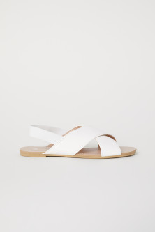 Sandals with elastic